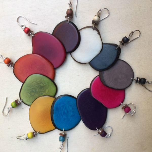 boucles d'oreilles chips ivoire végétal toutes les couleurs Rootsabaga Bijoux naturels Création artisanale
