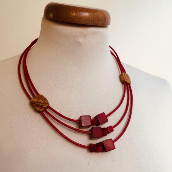 collier bois olivier ivoire végétal rouge Rootsabaga bijouterie fantaisie