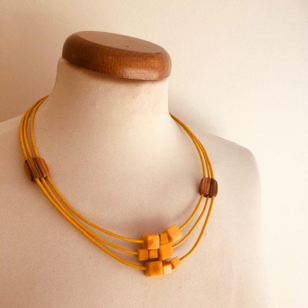 collier bois olivier ivoire végétal jaune Rootsabaga bijouterie fantaisie