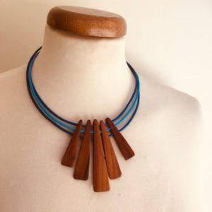 collier lamelle bois cordon cuir artian createur bijoux naturels