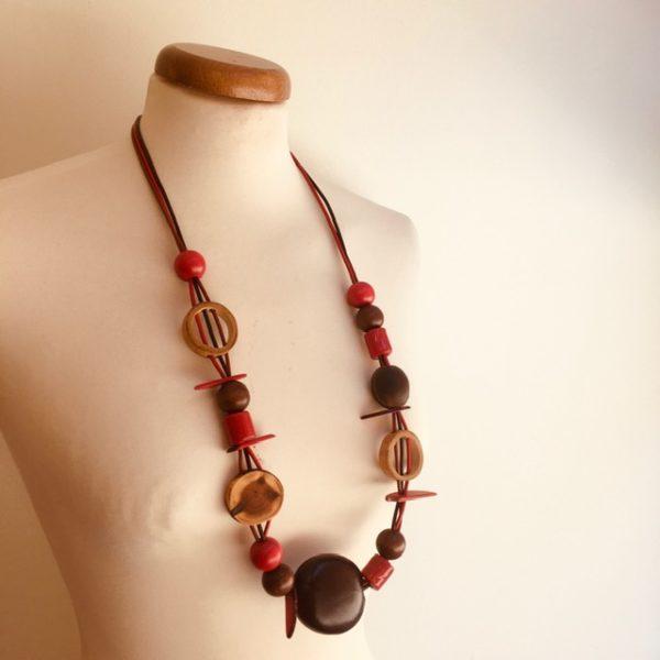 Sautoir graines entada, cannelle, ivoire végétal et perles bois rouge collier ethnique rootsabaga