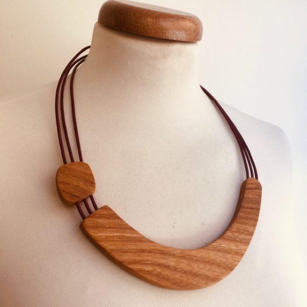 collier bois sourire bordeaux rootsabaga création artisanale