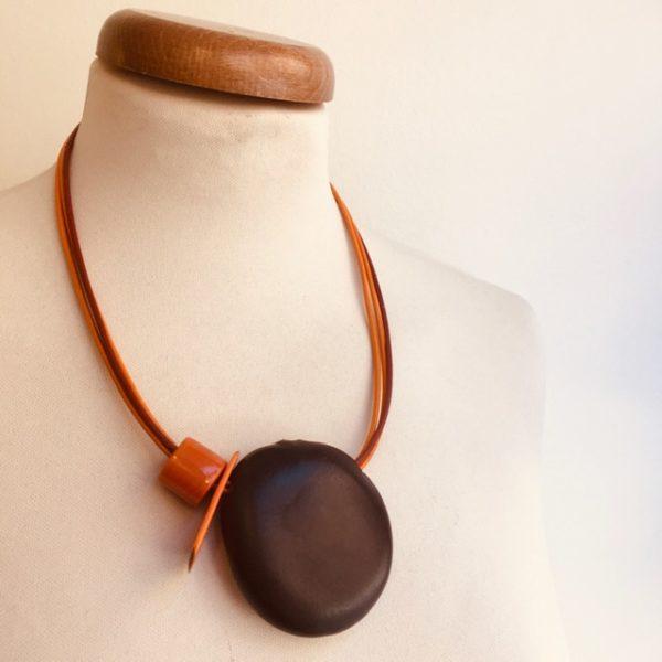 Collier Graine Entada orange cordon cui orange Rootsabaga collier ethnique