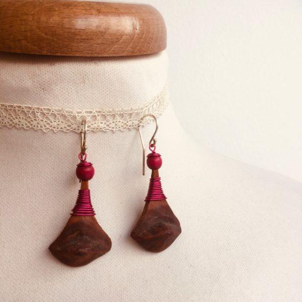 boucles d'oreilles pomme de pin grande rose Rootsabaga bijou ethnique lyon