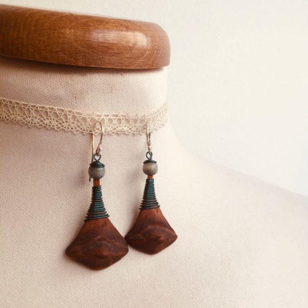 boucles d'oreilles pomme de pin grande turquoise Rootsabaga bijou ethnique lyon
