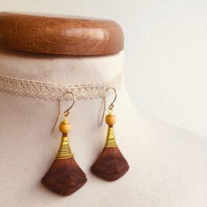 boucles d'oreilles pomme de pin grande jaune Rootsabaga bijou ethnique lyon