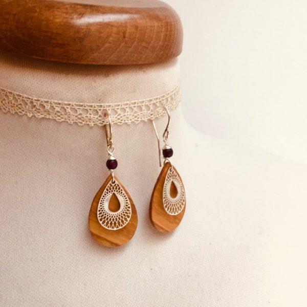 boucles d'oreille bois mini goutte stylisée argenté perle violet Rootsabaga bijoux bois
