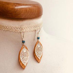 Boucles d'oreilles bois feuille merisier turquoise argent Rootsabaga
