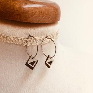 boucles d'oreilles créoles argenté bois prunier forme mini carré géométrique Rootsabaga bijou argenté