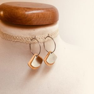 boucles d'oreilles créoles argenté bois olivier forme éventail Rootsabaga bijou argenté