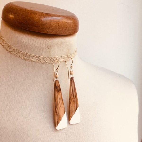 boucles d'oreilles bois olivier lamelle peint blanc Rootsabaga bijou nature