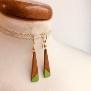 boucles d'oreilles bois lamelle peint vert fluo Rootsabaga bijou nature