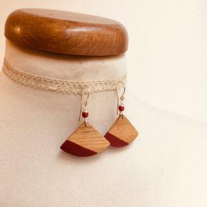 boucles d'oreilles bois éventail peint rouge Rootsabaga bijou nature