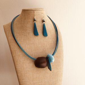parure collier graine et perle turquoise et boucles d'oreilles ivoire végétal turquoise Rootsabaga bijoux ethniques