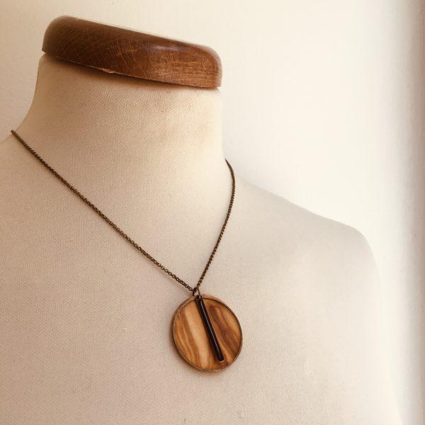 collier bois rond coloré bâtonnet chaine Olivier Noir Rootsabaga Création Artisanale