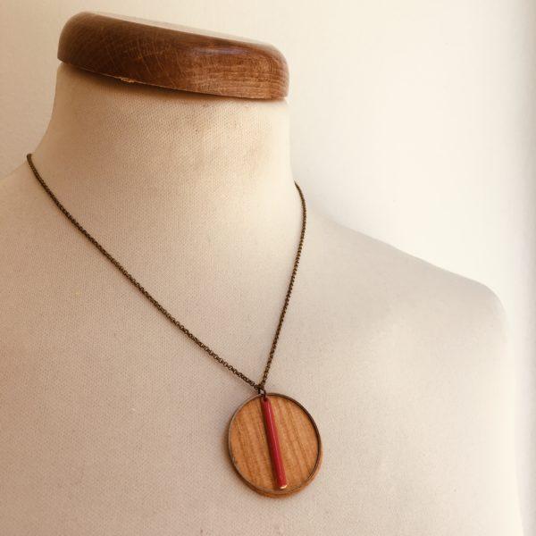 collier bois rond coloré bâtonnet chaine Corail Rootsabaga Bijoux Naturels Artisanaux