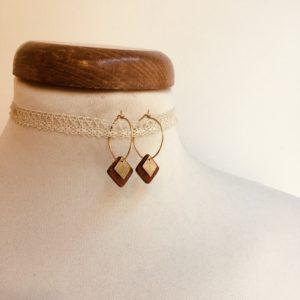 boucles d'oreilles créole dorée mini carré bois Rootsabaga bijoux naturels chic
