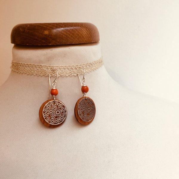 boucles d'oreilles bois argenté fleur perle orange Rootsabaga bijoux naturels lyon