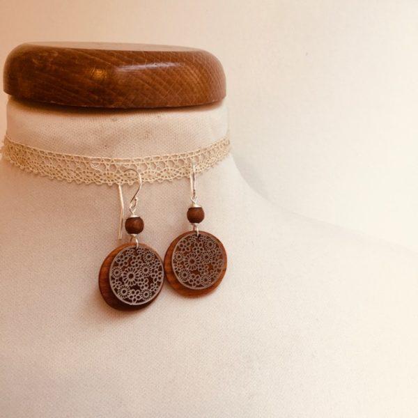 boucles d'oreilles bois argenté fleur perle marron Rootsabaga bijoux naturels lyon