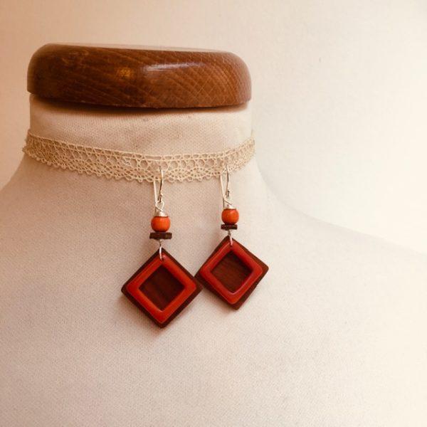 boucles d'oreilles carré bois et ivoire végétal orange Rootsabaga bijoux fantaisie naturels