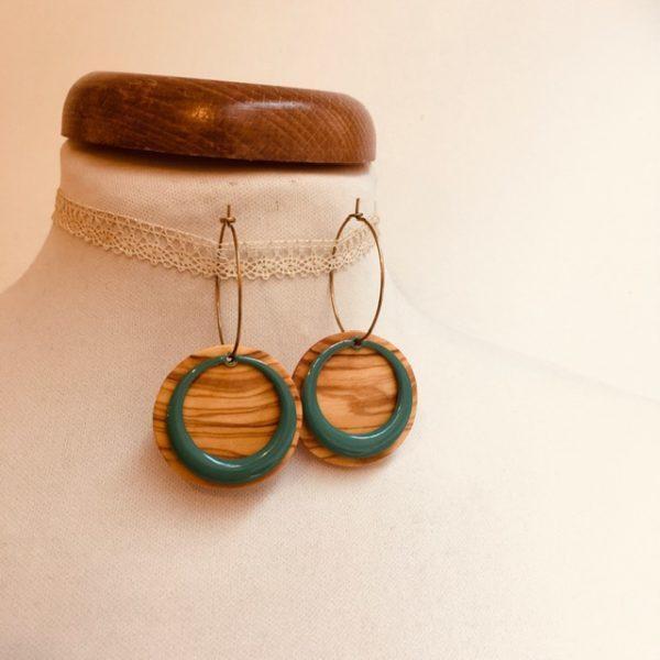 boucles d'oreilles créoles colorées rond évidé bleu turquoise bois olivier Rootsabaga bijoux fantaisie artisanaux lyon