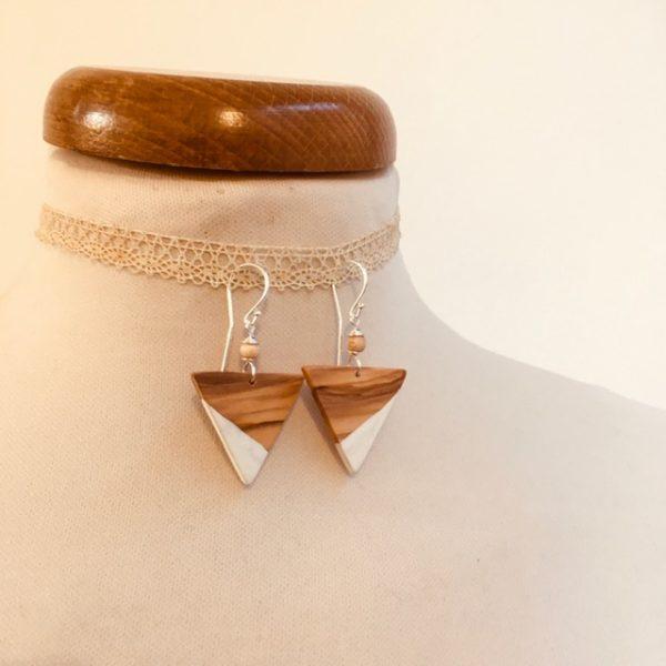 bois triangle inversé blanc boucles d'oreilles bois Rootsabaga bijoux fantaisie