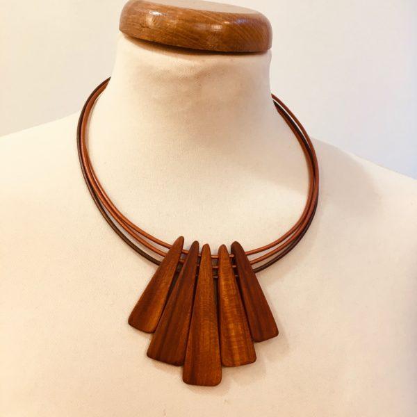 collier lamelle bois de prunier cordons cuir bronze bronze et marron Rootsabaga collier bois ethnique lyon