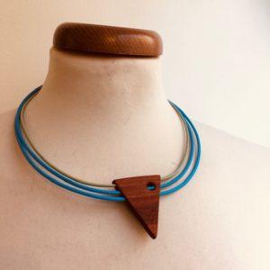 collier triangel tricuir bleu bleu amande Rootsabaga Bijoux naturels