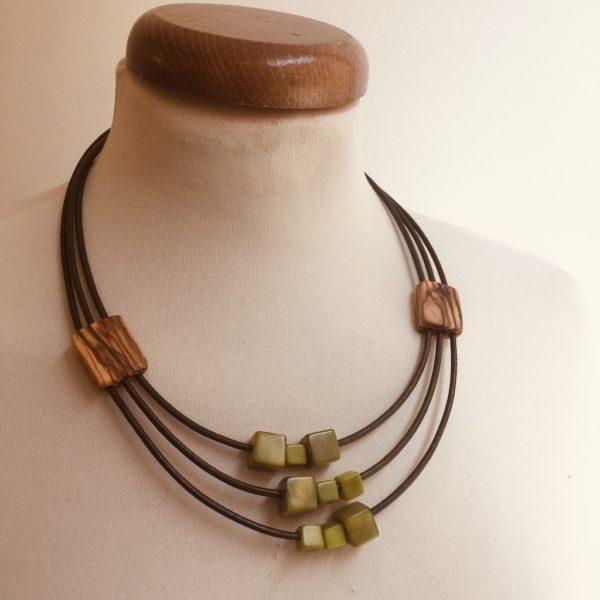 collier olivier ivoire végétal vert olive bijou artisanal naturel rootsabaga lyon