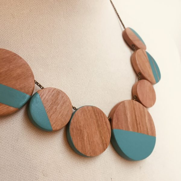 collier gourmandise bois prunier turquoise