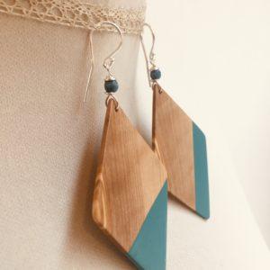 boucles d'oreilles grand losange peint désaccordé bleu turquoise olivier rootsabaga bijou naturel fait main a lyon